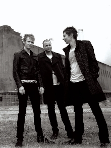 Muse: Veja o lyric video de 'Mercy', novo single de 'Drones'