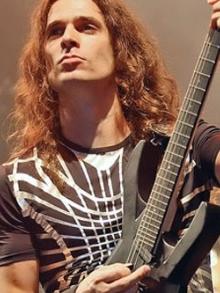 Kiko Loureiro (Angra e Megadeth) dá dicas para carreira de músico
