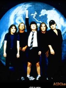 Biografia conta histórias dos bastidores do AC/DC
