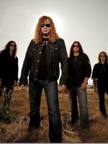 Megadeth sai em turnê e com o guitarrista brasileiro Kiko Loureiro
