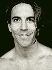 Hoje (01), aniversário de Anthony Kiedis confira 5 fatos ícones de sua vida