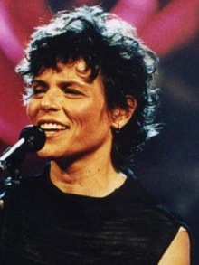 Cássia Eller completaria 53 anos hoje. Relembre 10 momentos de sua vida