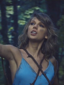 Taylor Swift libera clipe da música 'Out Of The Woods', do álbum 1989