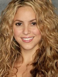 Shakira faz 39 anos hoje (02). Reveja algumas parcerias da estrela
