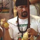 Mestre Toni Vargas