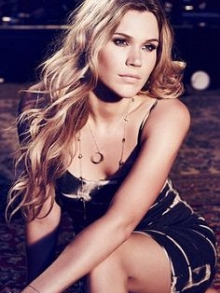 Joss Stone divulga 'Water for Your Soul'