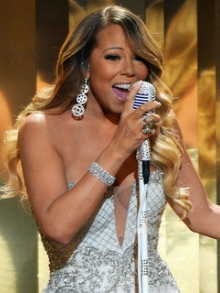 Mariah Carey lança clipe de 'Infinity'