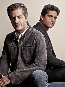 Victor e Leo lançam clipe em versão acústica da música 'Tempo de Amor'