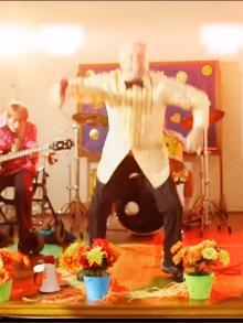 Faith No More: Confira o clipe da faixa 'Sunny Side Up'