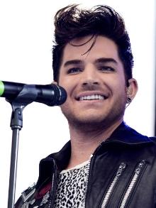 Em programa de humor, Adam Lambert recria clipe 'Bohemian Rhapsody'
