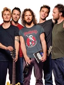 Pearl Jam abre show com vídeo sobre a natureza, narrado por Pedro Bial