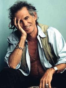 Keith Richards completa 72 anos hoje(18). Reveja sua polêmica trajetória
