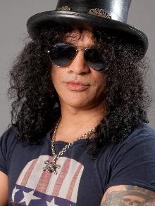 Slash está em estúdio gravando músicas inéditas? Axl não foi