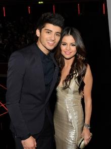 Zayn, ex-One Direction lança novo clipe e Selena arrasa em igreja