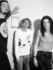 Cai na rede música do Nirvana com Dave Grohl no vocal
