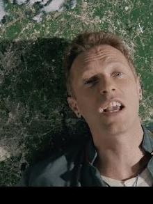 Coldplay lança videoclipe surrealista e retrô para 'Up & Up'. Assista aqui