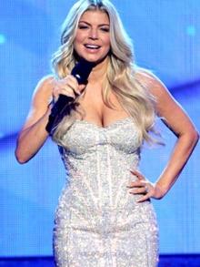 Musas dessa sexta: Fergie e Shakira... Confira as novidades