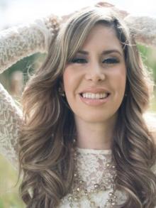 Cantora Nãna Shara quer lançar seu primeiro disco gospel