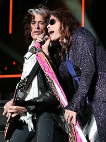 Joe Perry, guitarrista do Hollywood Vampires e do Aerosmith, sai do hospital