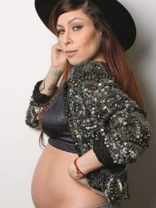 Pitty, linda e gravidíssima de uma menina, segue em repouso