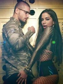 Anitta sensualiza muito em clipe com cantor colombiano Maluma