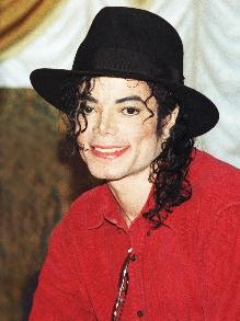 Michael Jackson é o cantor que mais fatura depois de sua morte