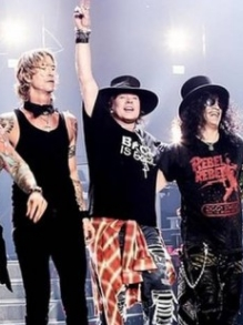 Guns N' Roses faz show espetacular em SP. Veja como foi