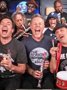 Divirta-se: Metallica e mais cantores cantam só com instrumentos infantis