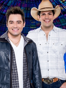 Fernando e Sorocaba com música inédita e Bruninho e Davi de clipe novo