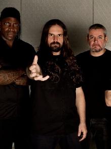 Sepultura lança lyric vídeo da inédita 'I Am The Enemy'. Veja aqui