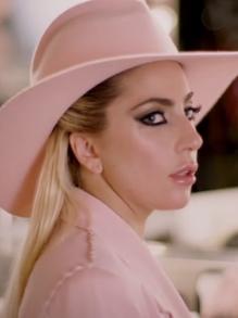 Lady Gaga lança clipe country da música 'Million Reasons'