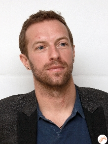 Chris Martin, do Coldplay, canta Drake e Beatles. Confira aqui