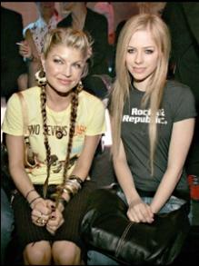 Hoje tem novidade do Justin Bieber, Fergie e Avril Lavigne. Descubra aqui