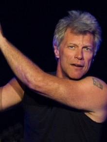 Feliz 2017 com o novo clipe do Bon Jovi: 'New Year's Day'