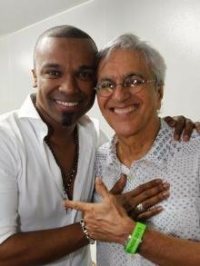 Alexandre Pires lança EP com clássicos da MPB com Caetano, Gil e mais