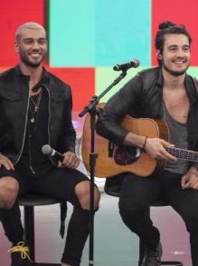 Tiago Iorc e Lucas Lucco cantam Legião Urbana. Escute aqui