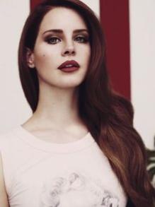 Lana Del Rey lança música nova. Escute aqui 'Love'