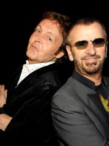 Paul McCartney e Ringo Starr cantam juntos novamente