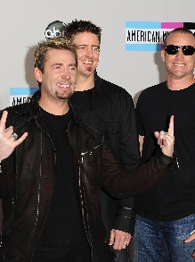 Nickelback libera clipe futurista de 'Feed The Machine'