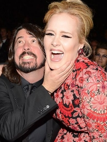 Adele deve ser uma das convidadas do novo disco do Foo Fighters