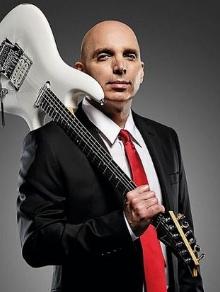 Guitarrista Joe Satriani fará show gratuito no Brasil