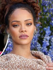 Hoje tem música e clipe de Rihanna, Chris Brown e Jaden Smith