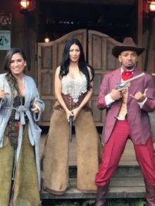 Simone e Simaria lançam clipe de 'Regime Fechado' com famosos