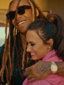 Wiz Khalifa libera clipe de Something New e convida Demi Lovato
