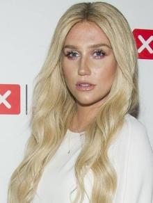 Kesha está em clipe com Macklemore e Niall também tem clipe novo