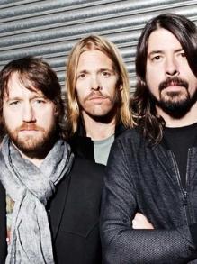 Foo Fighters lança música inédita 'Soldier'para ajudar ONG
