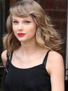 Taylor Swift finalmente lança clipe de '...Ready For It?'. Veja aqui