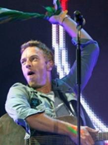 Coldplay arrasa em show, canta música para SP e visita crianças em hospital