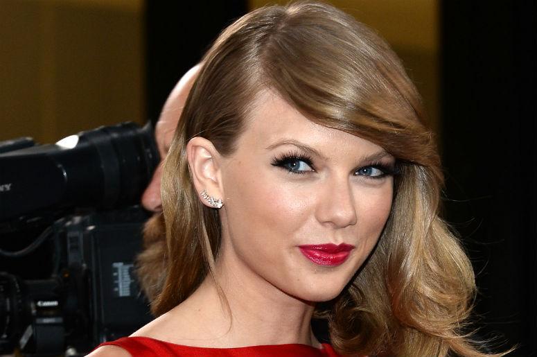 foto: 2 - Demi Lovato manda bem em cover de Sam Smith e Taylor Swift arrasa na TV
