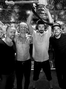 Linkin Park libera clipe emocionante de 'Crawling'. Veja aqui